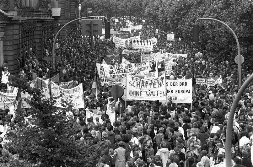 Vor 40 Jahren: Friedensdemo auf dem Hamburger Kirchentag